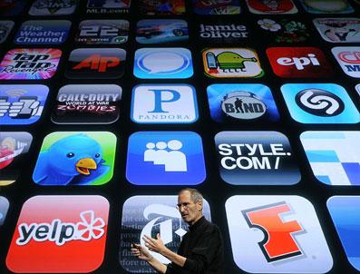 Светските и македонските медиуми и iPad