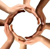 Што се вклучува управување со заедници на интернет