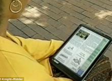 Дедо му на iPad